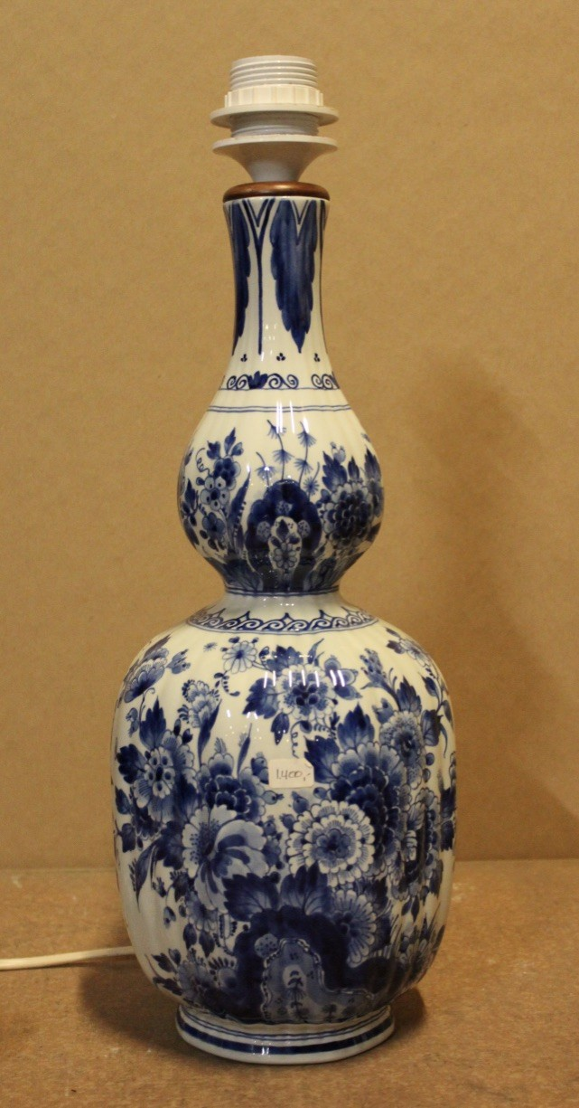 Delft blue & white china table lamp
