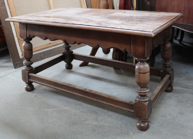 French provincial walnut rectangular coffee table.