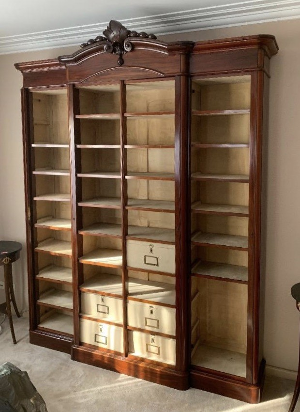 Impressive 19th century French Napolean 111 mahogany open front three section bookcase, having fitted interior.