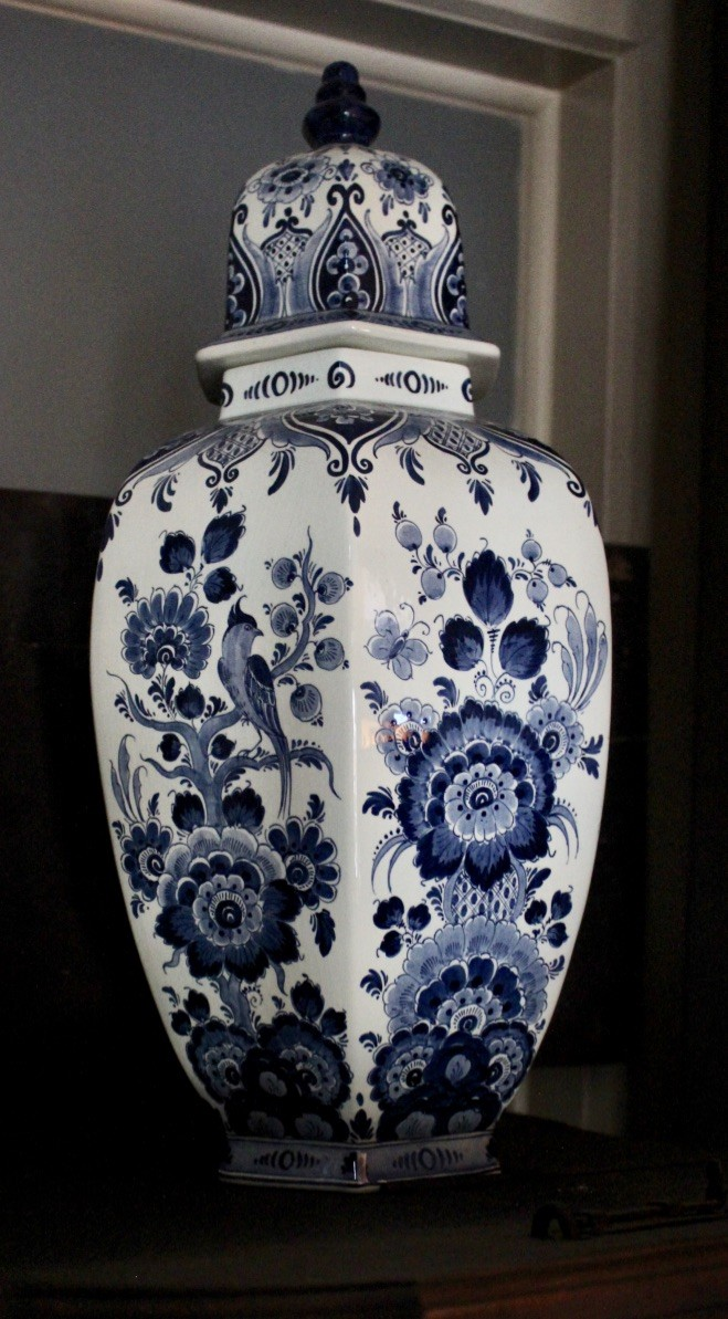 Delft blue and white floral china vase & cover